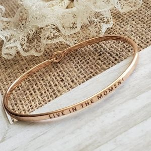 Chic Live in the Moment Bracelet